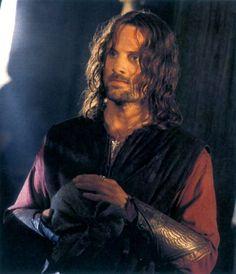 aragorn lordoftherings lotr władcapierścieni shire th hobbit The Hobbit Movies, O Hobbit, Hobbit Dwarves, Aragorn Lotr, Legolas, Fellowship Of The Ring, Lord Of The Rings, Aragorn Costume, Viggo Mortensen Aragorn