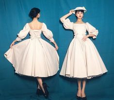 New Round Preorder: 【-The Manor of Jewel-】 Vintage Classic Lolita OP Dress - Cute Outfits Pretty Outfits, Pretty Dresses, Beautiful Dresses, Vintage Dresses, Vintage Outfits, Vintage Fashion, Vintage Style, Old Fashion Dresses, Fashion Outfits