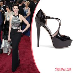 """Anne Hathaway in Gucci Lili Black Patent Leather Platform Sandals  """"2014 Academy Awards"""" - ShoeRazzi"""