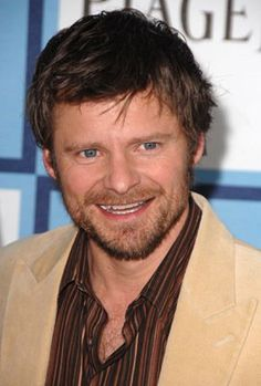 Steve Zahn - Used to be a fan until I ran into him in public one afternoon. I encountered him at a bookstore in my town, approached, and told him how much I liked his movies. He was completely ugly to me. I didn't ask for an autograph or photo. I just wanted to say hello and he was absolutely nasty about it.