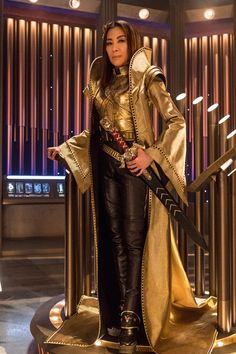 A gallery of Star Trek: Discovery publicity stills and other photos. Featuring Sonequa Martin-Green, Doug Jones, Michelle Yeoh, Anson Mount and others. Star Trek Show, Star Trek Tv, New Star Trek, Star Trek Series, Star Wars, Star Trek Enterprise, Star Trek Voyager, Michelle Yeoh, Discovery 2017