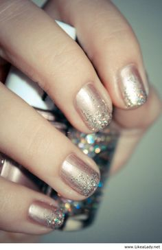 Glitter nails style