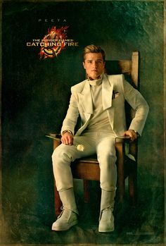 Capitol Couture gives you an exclusives look at the Capitol Portraits - Share the elegance now!
