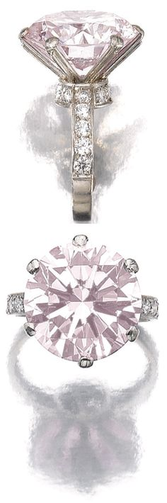Fancy light pink diamond ring