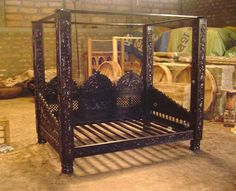 Jhulla Canopy Day Bed