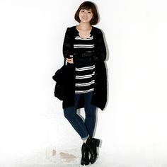 For a relaxing day ahead, wear this cardigan that comes with v-neckline, long sleeves, see through knit and and knee hemline. Finish the look with ankle boots.
