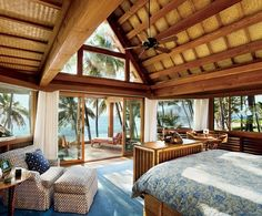 Tropical House Decorating Interior Very Comfort Design Ideas Tropical Beach Houses, Tropical House Design, Tropical Bedrooms, Dream Beach Houses, Tropical Home Decor, Beach House Hawaii, Houses In Hawaii, House Near Beach, Hawaiian Home Decor