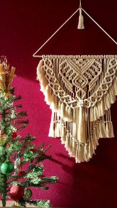 Macrame Design, Macrame Art, Macrame Projects, Macrame Knots, Modern Macrame, Deco Boheme, Boho Wall Hanging, Macrame Patterns, Weaving