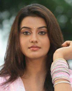 Akshara Singh HD Wallpaper: Latest Akshara Singh Hot Photos, Images, Pictures Beautiful Gorgeous, Simply Beautiful, Beautiful Women, Beautiful Bollywood Actress, Beautiful Indian Actress, Beauty Full Girl, Beauty Women, Deepika Singh, Bhojpuri Actress