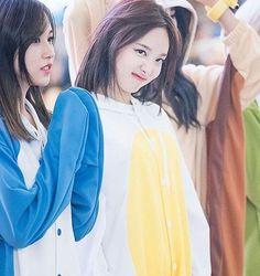 TWICE at Yeouido Fansign. The Cuteness . #imnayeon #nayeon #twice #once #jypentertainment . #임나연 #나연 #트와이스