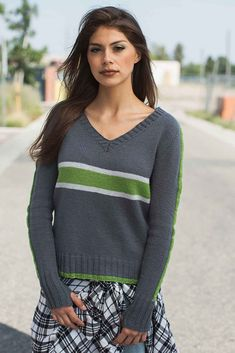 Ravelry: Midtown Pullover pattern by Laura Peters