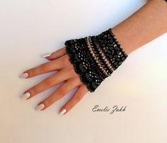 Victorian  crochet bracelet lace cuffAntique by EZDessin on Etsy