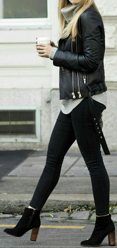 10 Women's Ankle Length Boots That Will Rock Any Outfit. Ankle length boots are the one thing all you women out there need to have to rock any outfit with its classy and stylish look. Mode Outfits, Fall Outfits, Fashion Outfits, Womens Fashion, Fashion Boots, Outfits With Boots, Fashion Ideas, Edgy Outfits, Fashion Trends