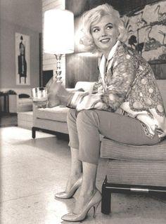 Marilyn Monroe Back | ... Marilyn Monroe (all pics). • Marilyn Monroe in black and white
