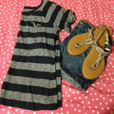navy and white striped tee Cute top with a pocket Merona Tops