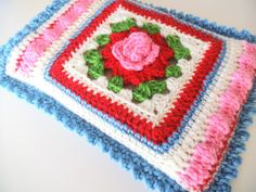 Instructions for Crochet Kindle Cover @ Apple Blossom Dreams