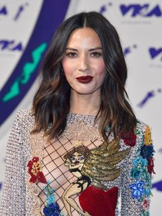 mtv-video-music-awards-hair-makeup-looks-2017-233636-1503880292104-image.640x0c.jpg 640×853 pixels