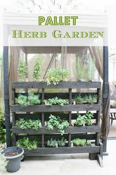 Pallet Herb Garden #pallet #gardening #diy