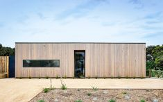 Archive of Point Lonsdale Beach House by InForm Design | Photographed by Derek Swalwell