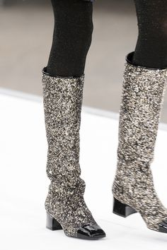 Chanel at Paris Fashion Week Fall 2017 - Details Runway Photos