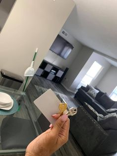Living Room Decor Inspiration, Decor Home Living Room, Home Bedroom, Bedrooms, Dream Apartment, Apartment Interior, Apartment Living, 1st Apartment, Apartment Goals