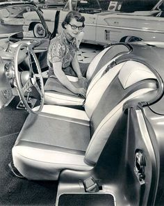 Corvette interior, 1958. She may have been beautiful in 1958.