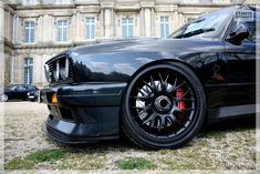 "E30 m3, 18"" big brakes, porsche 996 calipers and center lock conversion"