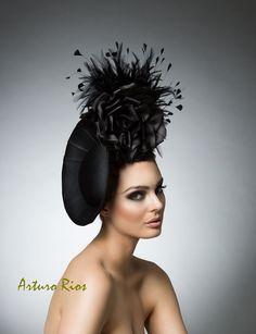 Schwarz schwarz Kopfstück cocktail Hut Derby Hut von ArturoRios                                                                                                                                                                                 Mehr