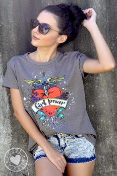T-shirt 100% algodão penteado super macio e confortável. Camisetas cheias de opinião!  O estilo grunge e o heavy metal dão as caras para emprestar um toque mais pesado aos looks invernais 2017.  Siga-nos no instagram e veja as novidades! @glebri_tshirt_print #fashion#algodao#cute#atacado#varejo#camisetas#girl#tshirt#teen girls#dog#moda#friends#lojavirtual#glebri print