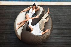 Yin Yang Lounger Toss out those old plastic loungers and upgrade to a conversation-worthy piece. The Yin Yang Lounger allows you to tan alongside your hubby and still carry on an easy, eye-to-eye conversation. Outdoor Furniture Design, Wicker Furniture, Furniture Styles, Garden Furniture, Lounge Furniture, Lounge Chairs, Furniture Ideas, Deck Chairs, Lounge Seating