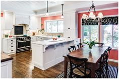 35+ Amazing Kitchen Dining Room Combo Photos – The Plumed Nest Kitchen Dining Combo, All White Kitchen, Farmhouse Style Kitchen, Kitchen Sets, Kitchen Styling, Kitchen Modern, Open Kitchen, Beautiful Kitchens, Cool Kitchens