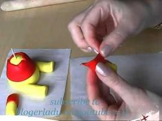 How to make Winnie the Pooh   from gumpaste