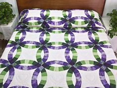 Double Wedding Ring Quilt -- outstanding skillfully made Amish Quilts from Lancaster (hs4752)