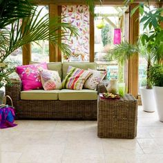 There are some design ideas of floral conservatory to create a pretty garden room. Some ideas of floral conservatory design can be an inspiration for you who Style Tropical, Tropical Home Decor, Tropical Interior, Tropical Houses, Tropical Colors, Tropical Vibes, Small Conservatory, Conservatory Interiors, Conservatory Design