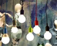 Závesné svietidlo (stropné svietidlo, luster) je kvalitný a zároveň moderný typ stropného lustru vyrobené z kvalitného silikónu Light Bulb, Lighting, Home Decor, Cluster Pendant Light, Bulb Lights, Homemade Home Decor, Light Fixtures, Lightbulbs, Lights