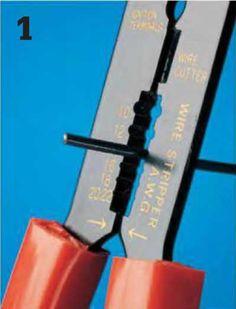Instalaciones eléctricas residenciales - corte del aislamiento de la punta del alambre