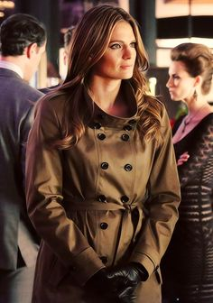 If I could have Det. Kate Beckett's wardrobe (especially the beautiful jackets) and her hair I would be extremely happy