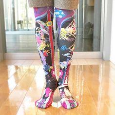 ポイントは足の甲のパッツン女子。 #今日のタイツ #タイツ #tights #足元倶楽部 #足元くら部 #colorful #ootd  #legfashion #flower #anime #manga #to-ko-ne #tokone