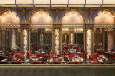 Beefbar Paris by Humbert & Poyet features an art nouveau atrium Design Bar Restaurant, Hotel Restaurant, Restaurant Ideas, Atrium, Art Deco, Hotel Particulier Montmartre, Motifs Art Nouveau, La Croix Valmer, Modern Restaurant