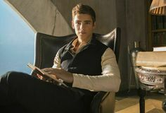 This is Brenton Thwaites. He is about to breathe life and heat into Jonas in The Giver .