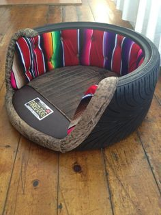 38 Easy DIY Recycle Old Tire Furniture Projects for Home Decor Tire Furniture, Furniture For You, Furniture Projects, Furniture Design, Custom Dog Beds, Tire Art, Diy Bett, Tyres Recycle, Diy Recycle