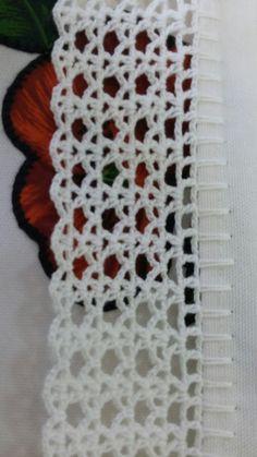 Easiest Crochet Frills Border Ever! Crochet Border Patterns, Crochet Boarders, Crochet Lace Edging, Filet Crochet, Crochet Squares, Crochet Trim, Crochet Doilies, Easy Crochet, Crochet Flowers