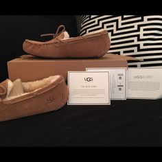HP Brown UGG slippers NWT comfy and authentic ugg slippers... Best and shoes and boots 2/15 host pick  UGG Shoes Slippers