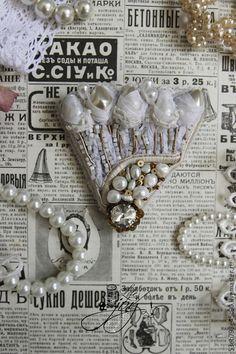 Броши ручной работы. Ярмарка Мастеров - ручная работа. Купить Брошь с натуральным жемчугом The bride. Handmade. Белый
