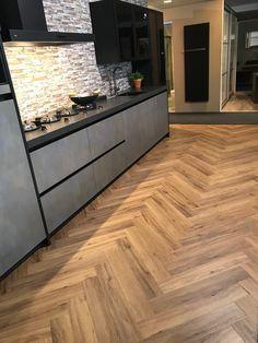 Douwes Dekker PVC-Vloer | Dikte: 7 mm| Gebruiksklasse: 23/33 | Slijtlaag: 0,55 mm | R-waarde: 0,088 m2 K/W | Legsysteem: Watervaste rigid kern met klikverbinding | V-groef: 4-zijdige microvelling | Pakinhoud: 2,07 m2 | Formaat: 72 x 12 cm | Oppervlaktestructuur: embossed in register Hardwood Floors, Flooring, Wood Floor Tiles, Wood Flooring, Floor