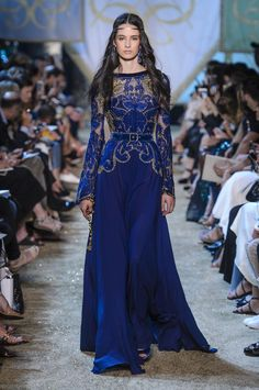Elie Saab Fall 2017 Couture Fashion Show - Africa Penalver Style Couture, Couture Fashion, Runway Fashion, Fashion Show, Paris Fashion, Couture Week, Beautiful Gowns, Beautiful Outfits, Couture Dresses