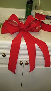 How to make a bow for a garland