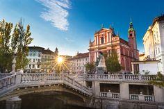 Ljubljana, Slovenië Slovenia Ljubljana, Bled Slovenia, Travel Music, Resorts, Travel Destinations, Hotels, Wanderlust, Mansions, Highlights