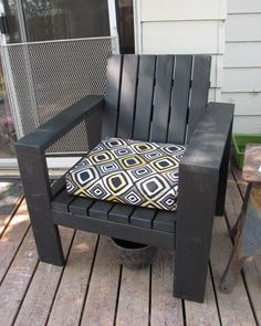 Simple Outdoor Lounge Chair - Beefed Up | Do It Yourself Home Projects from Ana White
