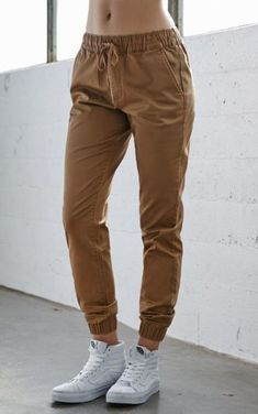 Sport women outfit pants 44 ideas Sport women outfit pants 44 ideas Sophisticated Work Attire and Office Outfits for Women Tomboy Fashion, Fashion Mode, Fashion Outfits, Latest Outfits, Chino Joggers, Sweatpants, Brown Joggers, Brown Pants, Khaki Pants
